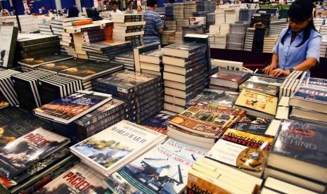 Mensos Buka Pameran 'Big Bad Wolf Book Sale 2017'
