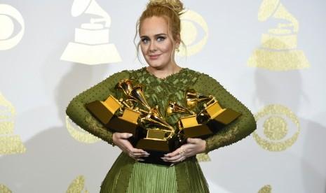 Diprotes, Promotor Akhirnya Kembalikan Tiket Konser Adele