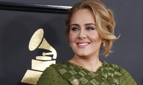 Adele Tulis Surat Perpisahan untuk Penggemar