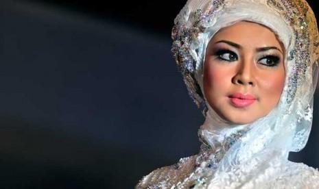 Up Republika berhijab natural Muslimah Online Natural Make Pengantin  up  untuk make  untuk