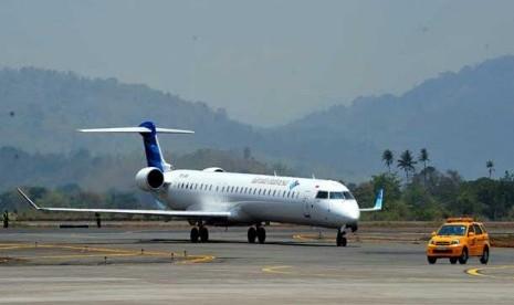 Pesawat Bombardier CRJ 1000NextGen milik maskapai Garuda