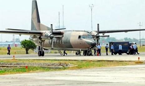 Pesawat Fokker 27 Jatuh di Halim Perdanakusuma