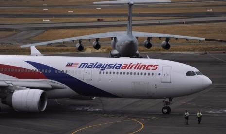 Pesawat Malaysia Airlines di Bandara Internasional Perth, Australia.