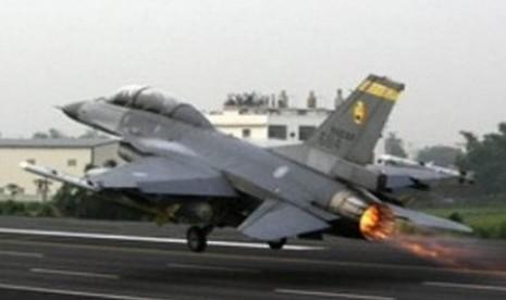 Danlanud Roesmin Nurjadin Sebut  F16 yang Tergelincir Laik Terbang