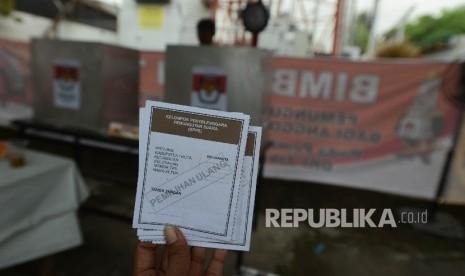 In Picture: KPUD DKI Jakarta Gelar Pemungutan Suara Ulang di Dua TPS