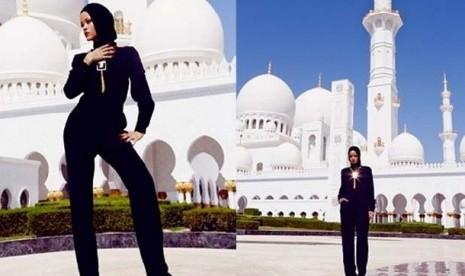 Pose Rihanna di Masjid Raya Sheikh Zayed di Abu Dhabi