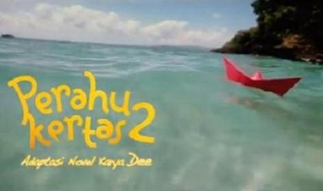 Poster film 'Perahu Kertas 2'.