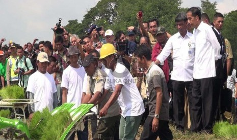 Rieke Diah Pitaloka Kritik Pencitraan Pemerintahan Jokowi
