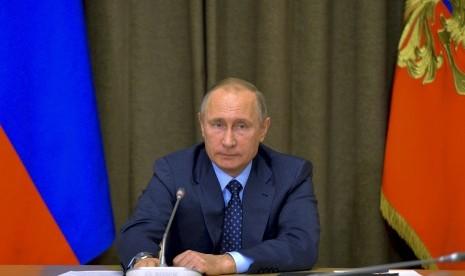 FBI Ungkap Kebencian Putin Terhadap Hillary Clinton
