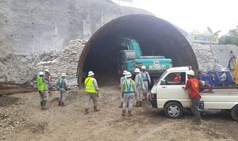 Pengeboran Terowongan KA di Desa Notog Ditarget Selesai 5 Bulan