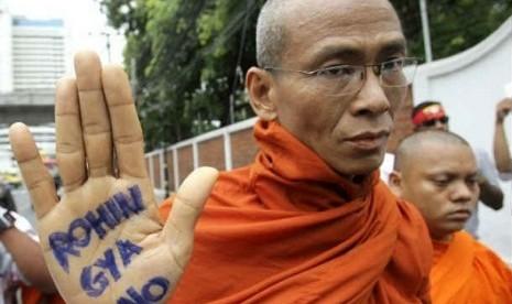 Biksu Myanmar Desak Muslim Rohingya Diusir