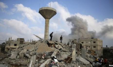 Reruntuhan bangun di Gaza, Palestina.