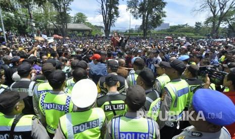 Korban Demo Angkot Teriak Minta Tolong ke Kang Emil
