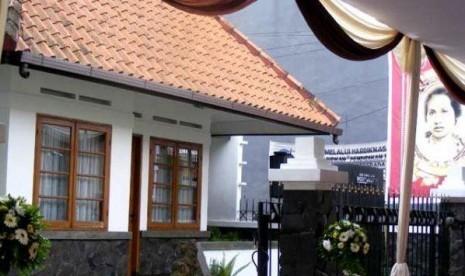 Rumah Inggit Ganarsih di Jalan Inggit Ganarsih No 8, Bandung, Jawa Barat