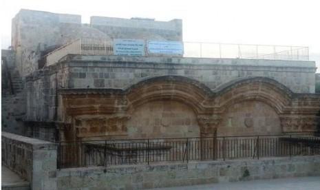 Rumah ini menjadi saksi bisu penulisan karya monumental al-Ghazali di bidang tasawuf, yaitu Ihya' Ulum ad-Din.