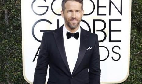 Ryan Reynolds Raih Gelar dari Kelompok Teater Universitas Harvard