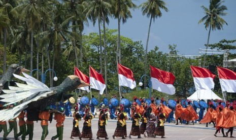 Sail Morotai 2012 peaks on September 15. A number of dancers perfom during the event which take place in North Maluku since September 12.