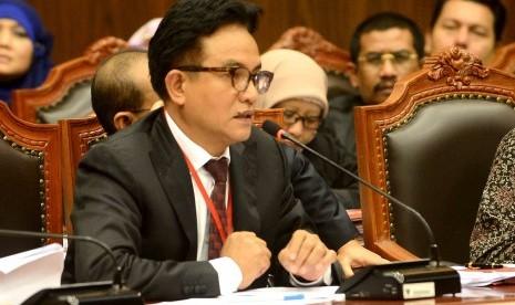 Saksi ahli dari tim Prabowo-Hatta, Yusril Ihza Mahendra memberikan kesaksiannya dalam sidang ketujuh Perselisihan Hasil Pemilihan Umum (PHPU) Presiden dan Wakil Presiden di Gedung Mahkamah Konstitusi (MK), Jumat (15/8).