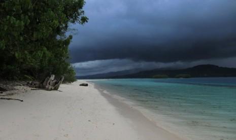 Salah satu pulau tak berpenghuni di NTT