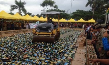 Bantul Musnahkan Ribuan Botol Minuman Keras