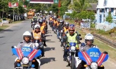SC225 saat touring ke Pacitan, Jawa Timur, Februari 2009