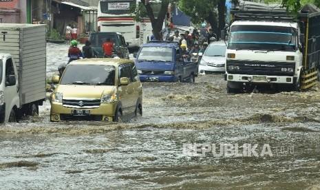 Deddy Mizwar: Butuh Dua Tahun Atasi Banjir Rancaekek