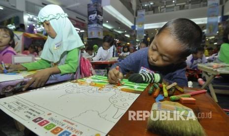 In Picture:  Lomba Mewarnai Nusantara