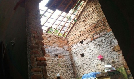 Puluhan Rumah Rusak Akibat Angin Kencang di Banjarnegara