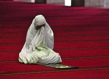 Seorah jamaah wanita berdoa di Masjid Istiqlal, Jakarta (Ilustrasi).