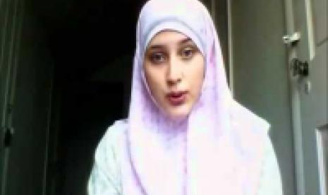 Seorang fans Lady Gaga yang beralih Islam.