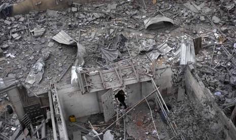 Kantor PM Ismail Haniya Luluh Lantak Dibom Israel