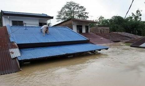 Satu Lagi Masjid di Madina Rusak Dihantam Banjir Bandang
