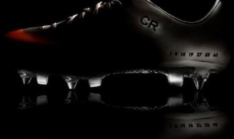 Sepatu anyar Cristiano Ronaldo, IX CR Mercurial.