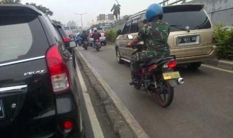 Nah Lho…Polisi Militer Razia Jalur Transjakarta?