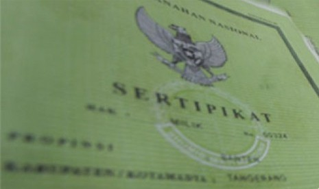 Jokowi Bagikan 10 Ribu Sertifikat Tanah di Kota Malang