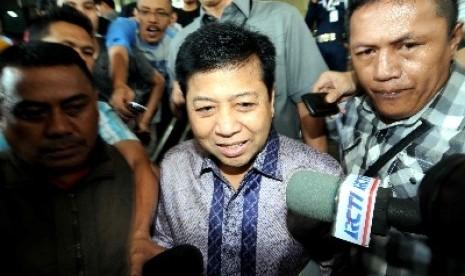 Setya Novanto usai diperiksa sebagai saksi bagi tersangka kasus korupsi PON Riau 2013, Rusli Zainal, di Gedung KPK, Jakarta.