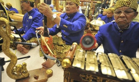 Some artists plays gamelan in Jakarta (illustration)