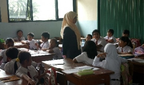 Suasana proses belajar mengajar di kelas.  (Foto Ilustrasi)