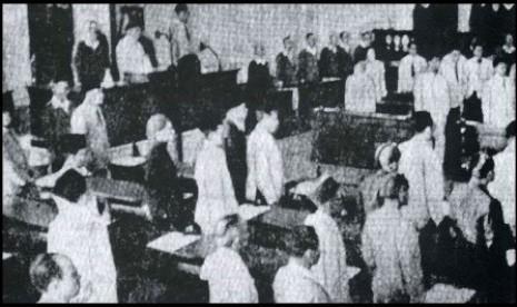 Suasana rapat pembahasan Piagam Jakarta.