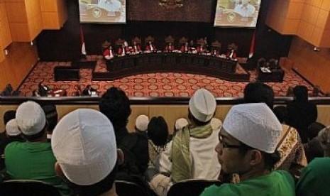 Suasana sidang uji materi UU Penodaan Agama di Mahkamah Konstitusi