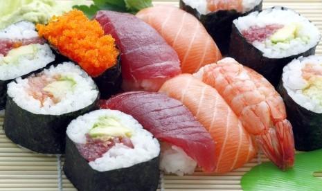 Manfaat Makan Sushi untuk Anak Muda