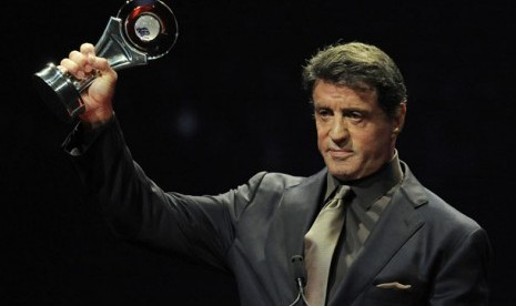 Sylvester Stallone saat menerima penghargaan Career Achievement Award di ajang CinemaCon Big Screen Achievement Awards, 26 April 2012 di Las Vegas.