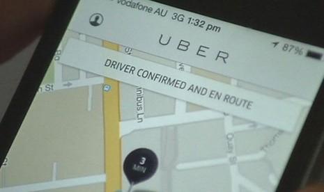 Tiga Catatan dalam Revisi Peraturan Menteri Soal Taksi Daring