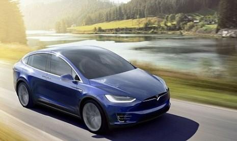 Tesla Mulai Produksi Massal Baterai Mobil Listrik