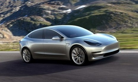Tesla Tingkatkan Sistem Autopilot
