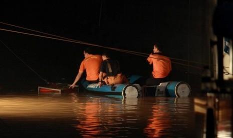 Korban Banjir Plaza UOB Diduga Tewas Kehabisan Oksigen