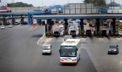 Toll gates in Jakarta (illustration)