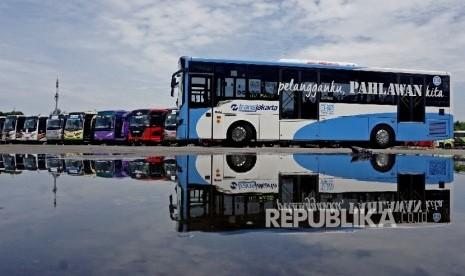 Transjakarta Tunda Pemberlakuan Sistem Satu Orang Satu Tiket