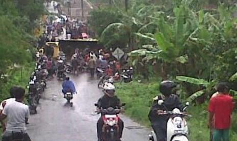 Truk terguling yang menewaskan 20 siswa SMKN 1 Pandeglang