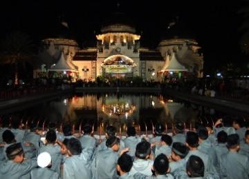 Umat Islam di Aceh diminta waspada terhadap aliran sesat yang terus mencoba merasuki iman remaja Aceh.